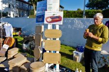 Wir nehmen auch Kreditkarten: Flohmarktstand in Sandvig