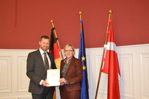 Peter Vesløv, Deutschlands neuer Generalkonsul auf Bornholm (links)