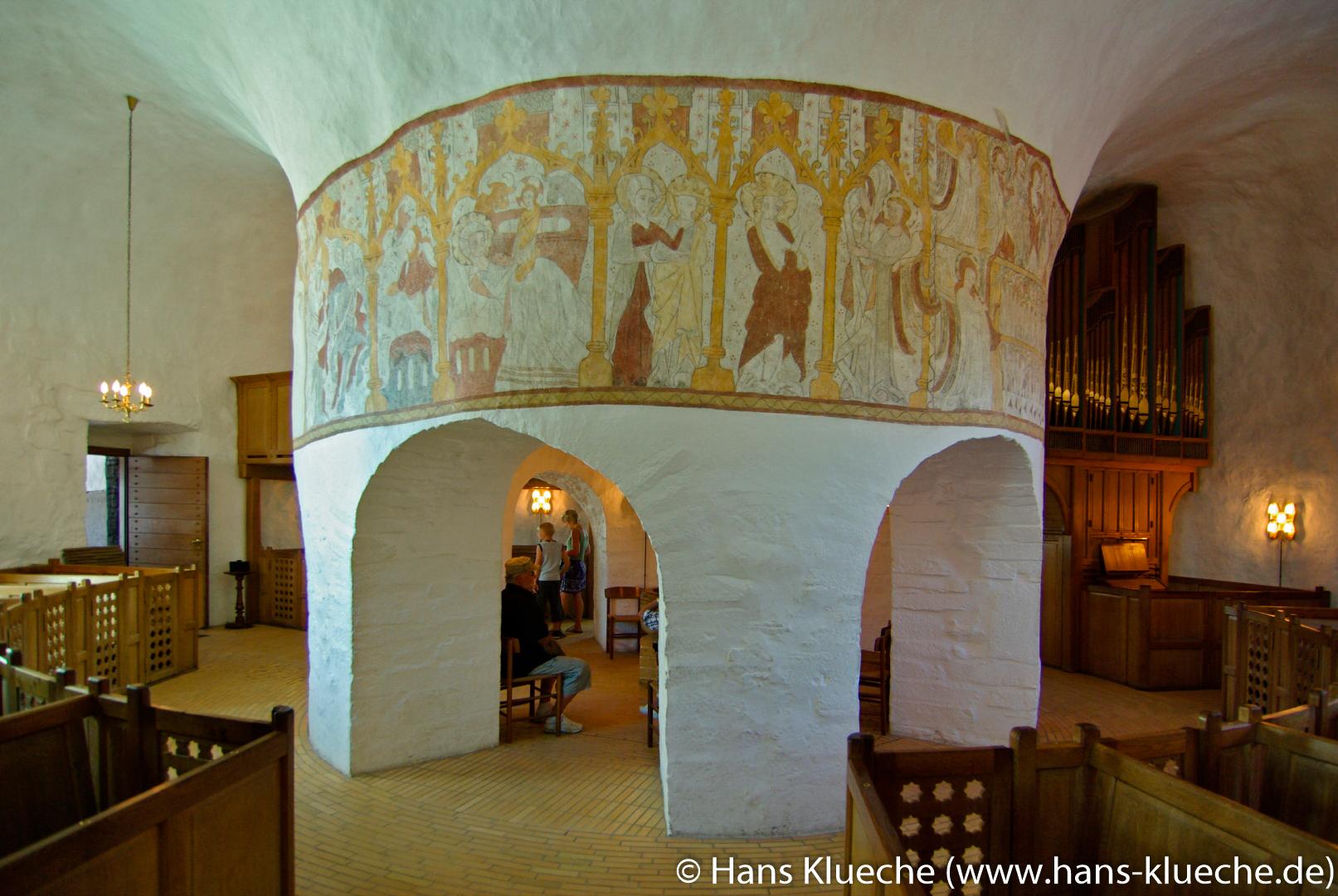 Mittelpfeiler der Østerlars Kirke